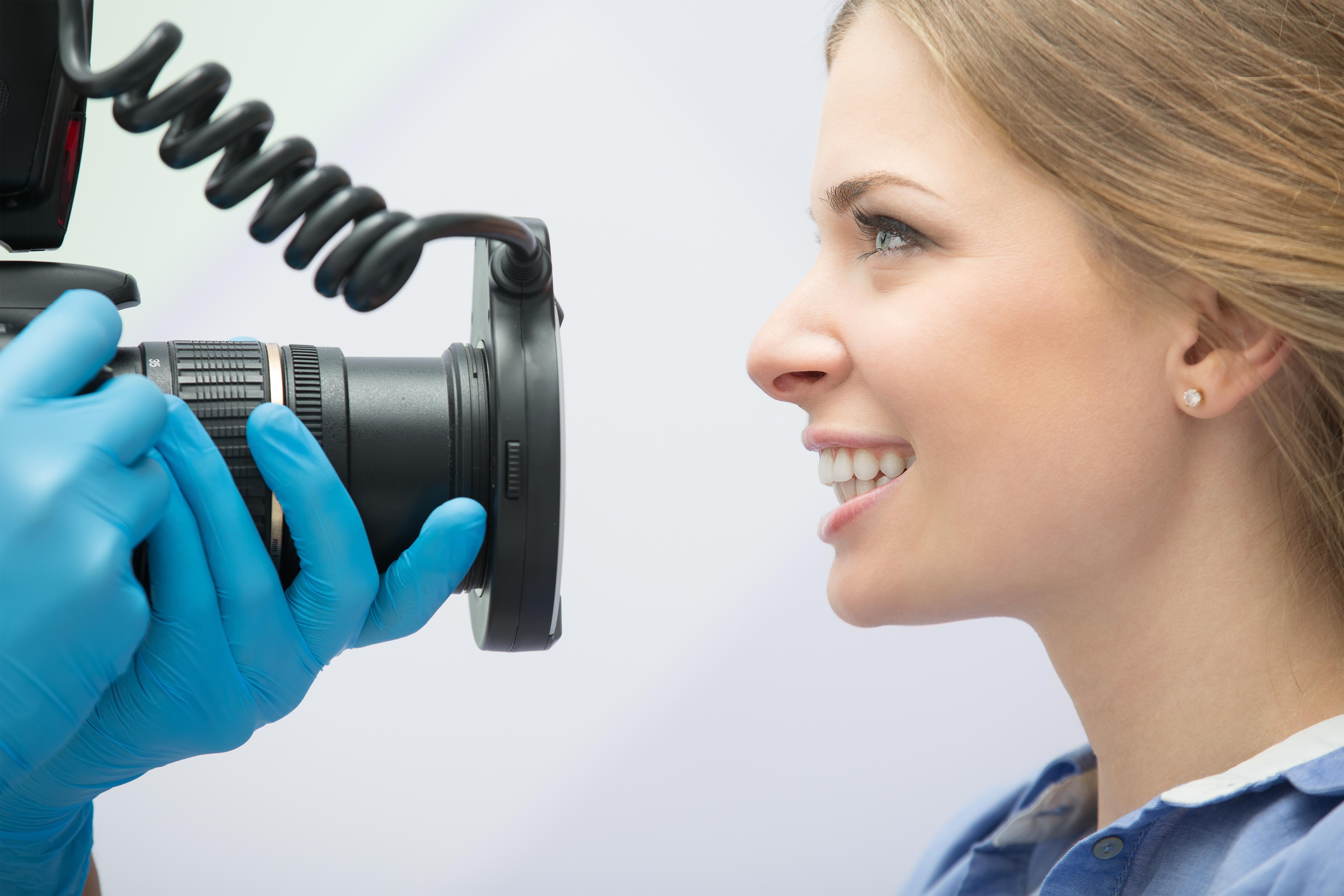 análisis estético dental en Clínica Roca Santiago en Fuengirola